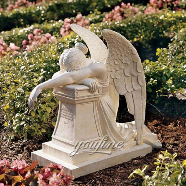 Памятник с ангелом плачущим на могилу