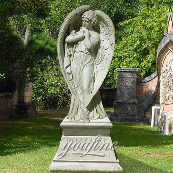 Скульптура ангела молится для декора