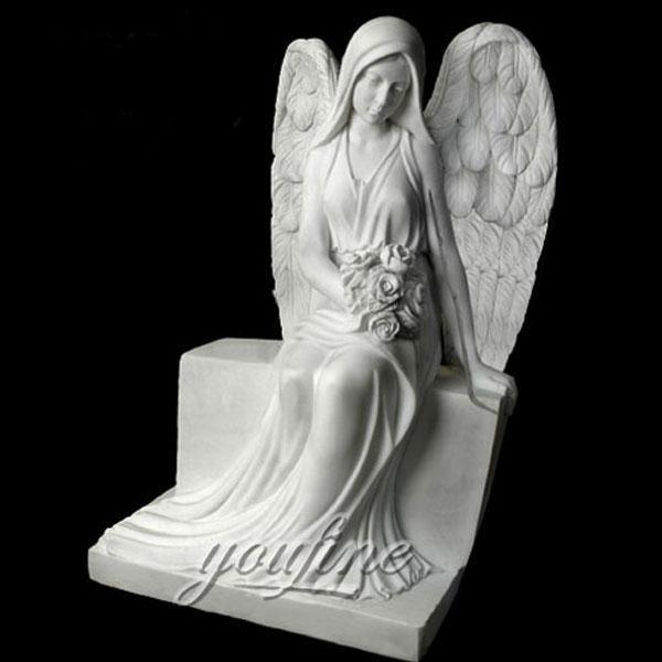Фигурка ангела на могилу